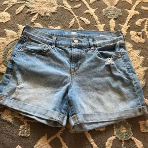 Old navy lt wash distressed shorts